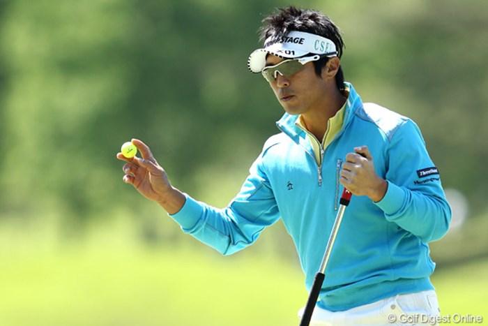 5アンダーから1オーバー・・・に15位タイまで健闘むなしく落としてしまった。 2012年 日本プロゴルフ選手権大会 日清カップヌードル杯 3日目 谷昭範