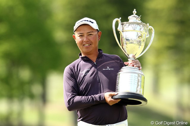 2年ぶりの大会制覇でツアー通算18勝目。谷口徹は完全優勝でその強さを見せ付けた。