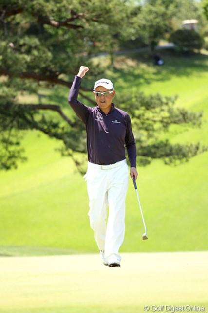 2012年 日本プロゴルフ選手権大会 日清カップヌードル杯 最終日 谷口徹 11番パーセーブでもガッツポーズ!気合の入ってる証