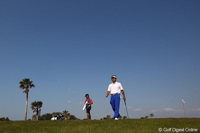 2012年 とおとうみ浜松オープン 2日目 池田勇太 強風のおかげで、朝から澄み切った青空の一日でした。