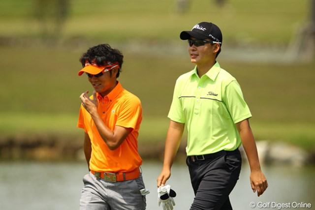 2012年 とおとうみ浜松オープン 3日目 浅地洋佑 川村昌弘 ライバルが同組で対決。今日の軍配は川村くんに。いつまでもイイライバル関係で、ゴルフ界を盛り上げて欲しい2人です。