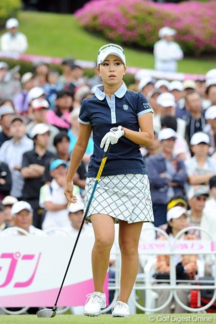2012年 中京テレビ・ブリヂストンレディスオープン 最終日 上田桃子 珍しいミニスカ姿やけど、いつものショートパンツよりも似合ってますやん!今後はこれでいかがでしょうか?2日連続の2アンダーをマークして、しばらく日本とお別れです。20位T