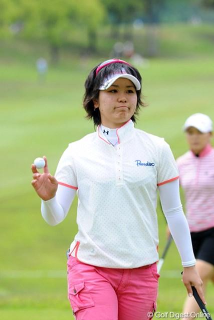 2012年 中京テレビ・ブリヂストンレディスオープン 最終日 比嘉真美子 今日も6つもバーディを獲ったんや~。アマチュアの67は強すぎるやろ~!なんかの拍子に勝ってしまいそうな勢いですワ。いやホンマの話。9位T