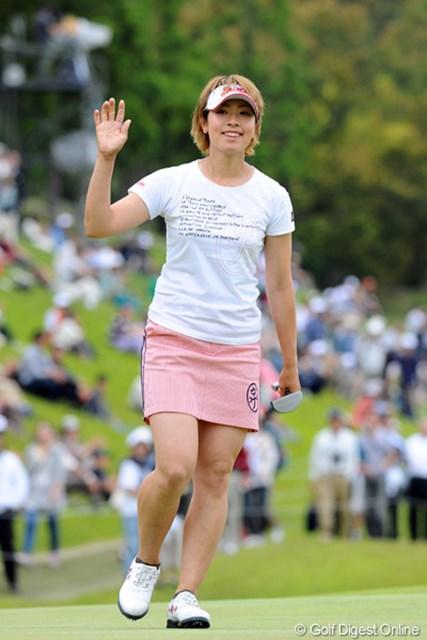 2012年 中京テレビ・ブリヂストンレディスオープン 最終日 森田理香子 韓流のワンツー・フィニッシュを阻んだのは、Tシャツのリカコーでした!前半モタモタしてましたが、中盤から本領発揮で7つのバーディを奪取してミジョンを逆転!強い!2位