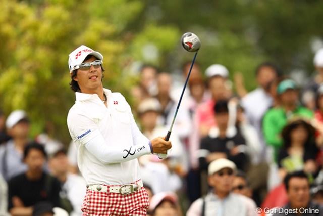 2012年 とおとうみ浜松オープン 最終日 石川遼 舌をペロリ。出入りの激しいゴルフでしたねぇ。今日のオーバーパーは予測できませんでした。