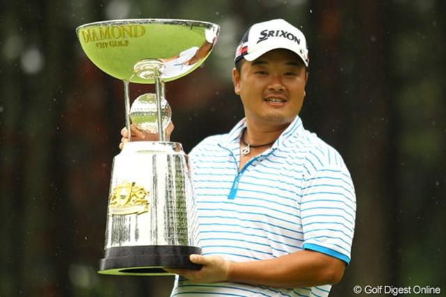 ディフェンディングチャンピオンの小田孔明には今季初勝利の期待がかかる。