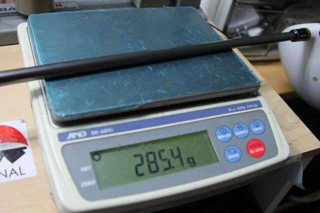 テーラーメイド グローレ ドライバー クラブ重量は純正Sで285.4グラム。50~66歳ぐらいで、体力が平均的な男性ゴルファーにちょうどいいスペックだ。