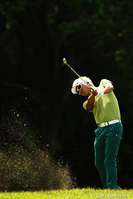 先週の好調そのままです。ノーボギーの危なげないゴルフで単独首位発進!2週連続優勝もありそうですよ。