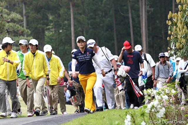 2012年 ヨネックスレディスゴルフトーナメント 初日 横峯さくら トップとは2打差、さてさて今週は・・・?