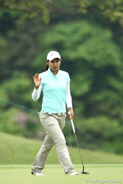 2012年 ヨネックスレディスゴルフトーナメント 初日 若林舞衣子 今週のホステスプロ、地元新潟出身3位タイ。この大会を盛り上げます。