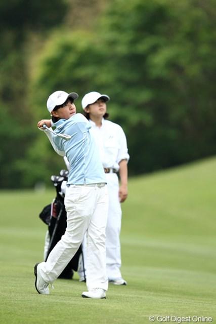 2012年 ヨネックスレディスゴルフトーナメント 初日 永井花奈 中学3年生、たいしたもんです。3位タイですよ。