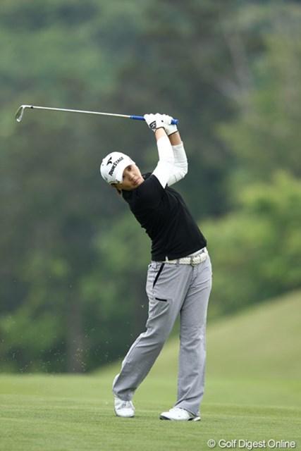 2012年 ヨネックスレディスゴルフトーナメント 初日 茂木宏美 この人も群馬出身、実は僕も群馬出身。えっ、関係ない?すいません・・