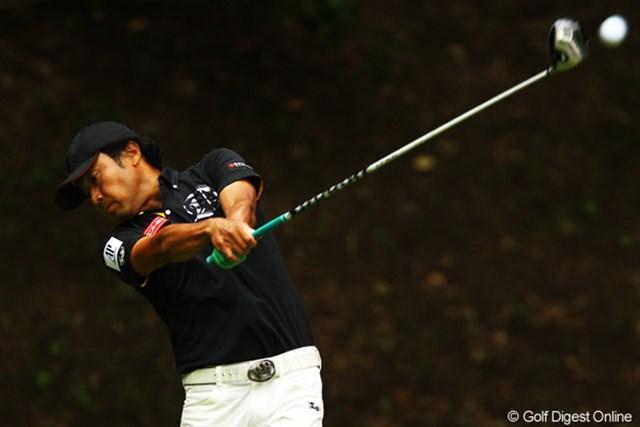 2012年 ダイヤモンドカップゴルフ 2日目 片山晋呉 16番のダボがなければなぁ。でも得意そうなコースですからね。まだまだ行けそうですよ。