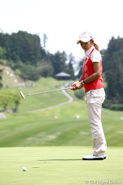 2012年 ヨネックスレディスゴルフトーナメント 2日目 斉藤愛璃 今日はスコアを4つ落としてしまい49位。ギリギリで予選通過