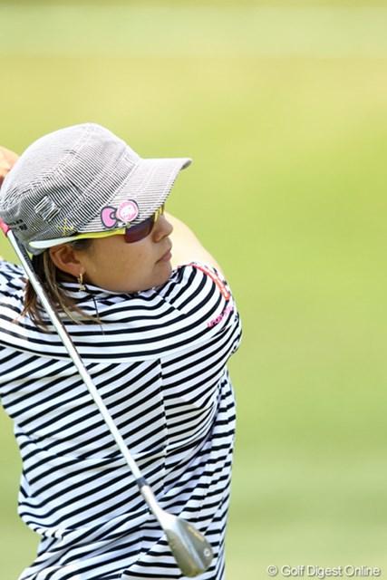 2012年 ヨネックスレディスゴルフトーナメント 2日目 馬場ゆかり キャップにはかわいいキティちゃんのグリーンマーク
