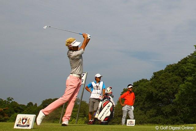 2012年 ダイヤモンドカップゴルフ 3日目 ジェイ・チョイ 最終組での藤田寛之とのラウンドを楽しんだジェイ・チョイ。