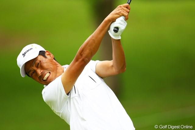 2012年 ダイヤモンドカップゴルフ 3日目 兼本貴司 ダイナミックなゴルフが最大の魅力の兼本貴司。3打差首位の藤田寛之をとらえるか?