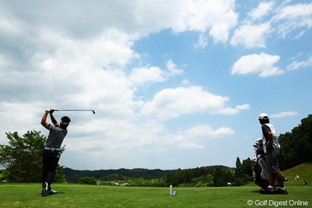 2012年 ダイヤモンドカップゴルフ 最終日 藤田寛之 前半は34。危なげなくハーフターンです。