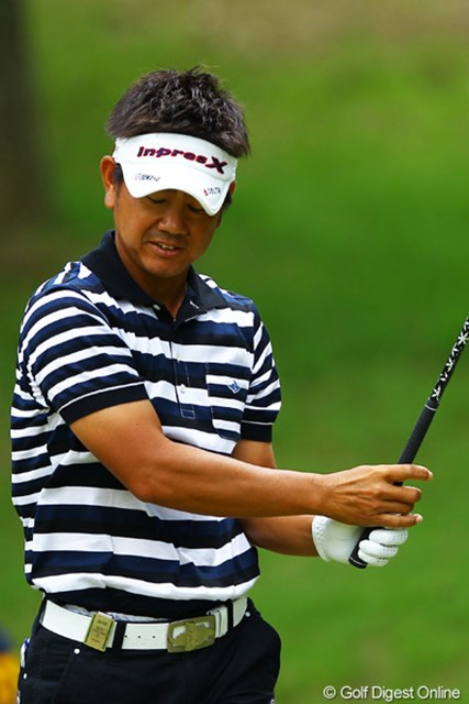2012年 ダイヤモンドカップゴルフ 最終日 藤田寛之 まさか・・・11番ティショットで痛恨のOB。そして15番セカンドショットでは、なんとシャンクでOB。暗雲が立ち込めました。