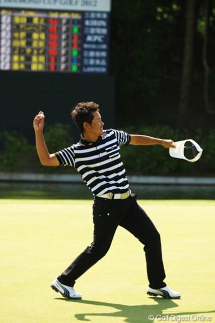 2012年 ダイヤモンドカップゴルフ 最終日 藤田寛之 何とか逃げ切りました。早くも今シーズン2勝目です。