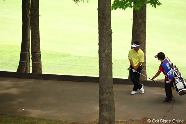 2012年 日本ゴルフツアー選手権 Citibank Cup Shishido Hills 初日 宮瀬博文 このボール、ずっと80ヤードくらい戻ってしまい、結局アンプレ。超かわいそう。