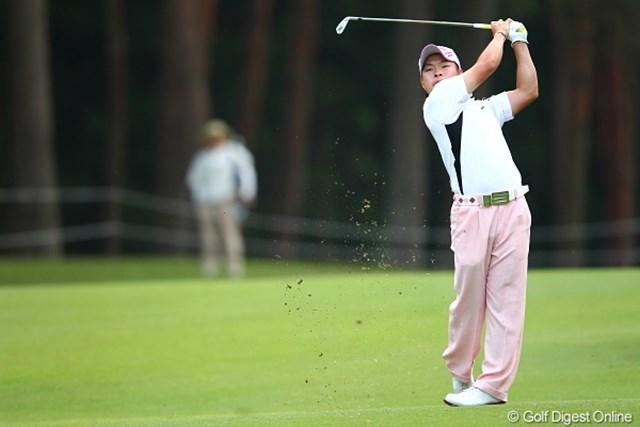 2012年 日本ゴルフツアー選手権 Citibank Cup Shishido Hills 初日 藤本佳則 パンツは太い系ですね。.