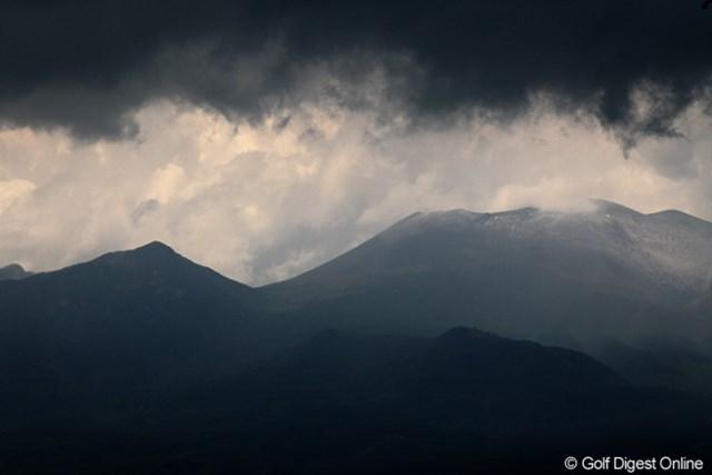 雷雲接近で浅間山も怪しげな雰囲気?競技はサスペンデッドに・・・