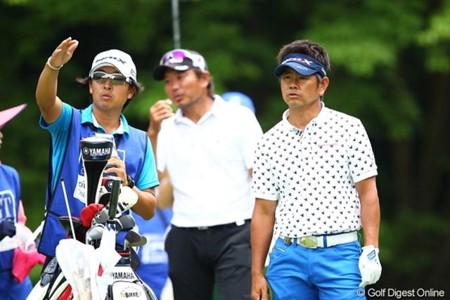 2012年 日本ゴルフツアー選手権 Citibank Cup Shishido Hills 2日目 藤田寛之&梅原敦キャディ 弊社特集ページにも頻繁に登場して頂いていますね。本当に素敵なコンビネーションです