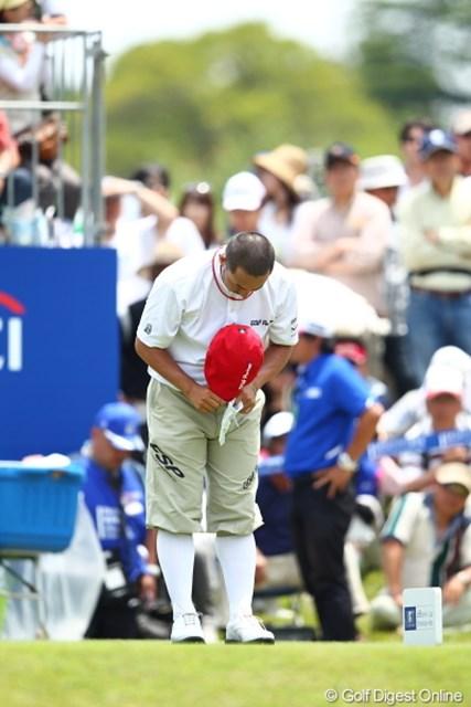 2012年 日本ゴルフツアー選手権 Citibank Cup Shishido Hills 3日目 すし石垣 スタート前にコースに向かって一例。