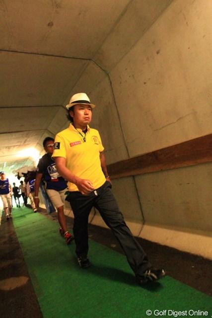2012年 日本ゴルフツアー選手権 Citibank Cup Shishido Hills 3日目 片山晋呉 気持ちはもう次のホールのティーショットかな?