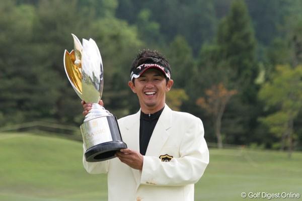 近藤智弘が今季初優勝を飾る!片山晋呉は11位タイでフィニッシュ