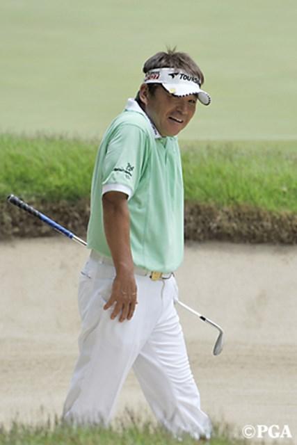 6番でチップインイーグルを決めるなど、初日首位タイに並んだ尾崎直道※画像提供:日本プロゴルフ協会