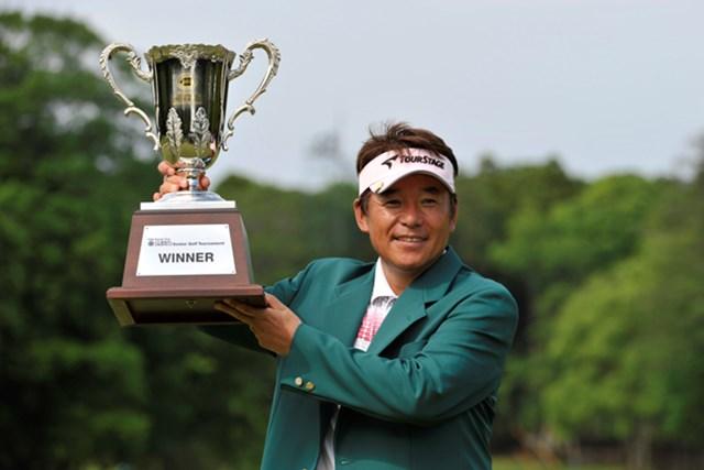 尾崎直道が国内シニアツアー初勝利を2012年の開幕戦で飾った。※画像提供:日本プロゴルフ協会