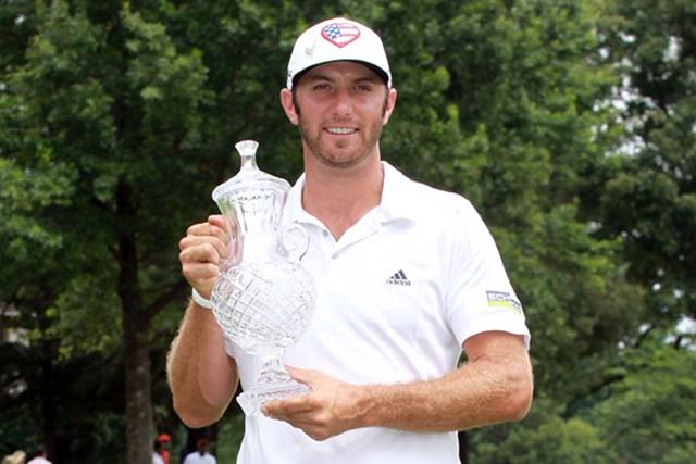 2012年 フェデックス セントジュード クラシック  最終日 ダスティン・ジョンソン 混戦を最後に抜け出したD.ジョンソンが全米オープン前週に今季初勝利を飾った。(Andy Lyons/Getty Images).