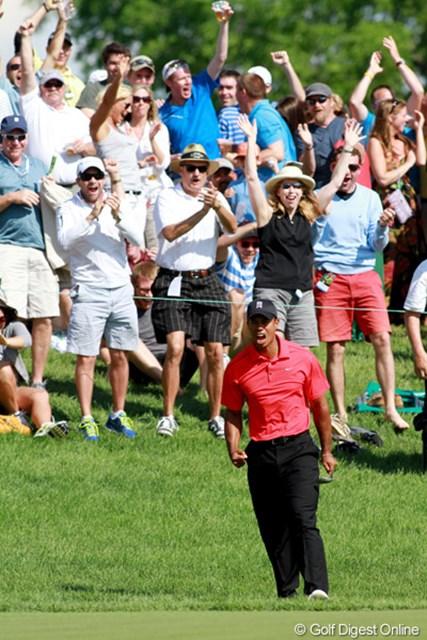 2012年 ザ・メモリアルトーナメント 最終日 タイガー・ウッズ ザ・メモリアルトーナメント最終日にチップインバーディで勝利に近づいたタイガー。2008年以来の全米オープン制覇を狙う。