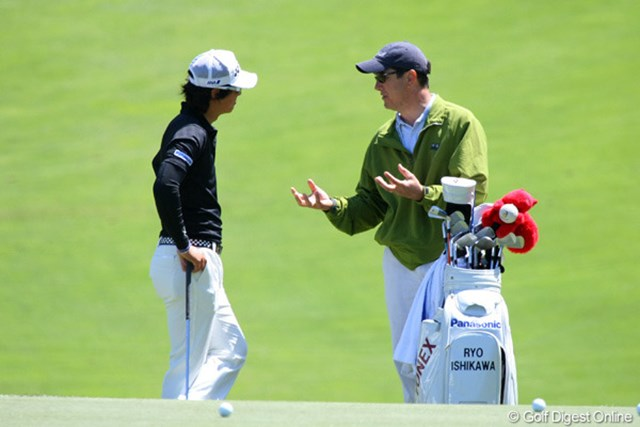 石川遼とタッグを組むのは、舞台のオリンピッククラブで30年キャディを務めているというベテランだ