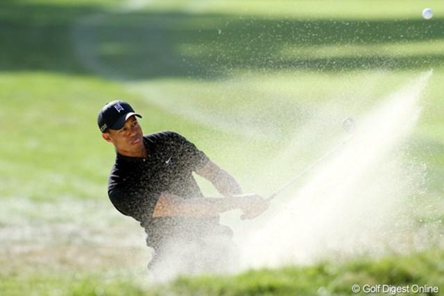 2012年 全米オープン 2日目 タイガー・ウッズ 4年ぶりのメジャー制覇を狙うタイガー・ウッズが首位タイで決勝ラウンドに進んだ。