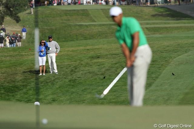 2012年 全米オープン 3日目 フレッド・カプルス タイガーの組について観戦する。横の女性は?