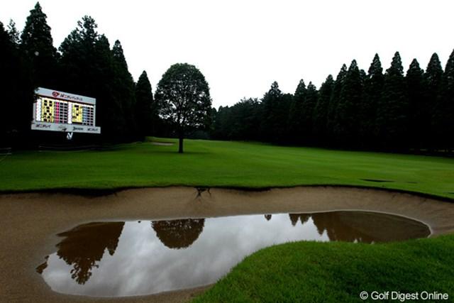 昨日からの雨でコースコンディションが悪くスタート時間が大幅に遅れた