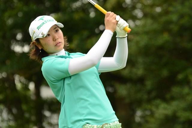 2012年 日本女子アマチュアゴルフ選手権競技 2日目 比嘉真美子 通算10アンダーでメダリストを獲得した比嘉真美子(写真提供/JGA)
