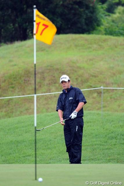 やったねェ~!33、34の完璧なゴルフでトップ・タイ発進を決めました!ここらでガッチリ賞金をゲットしたいとこやネ