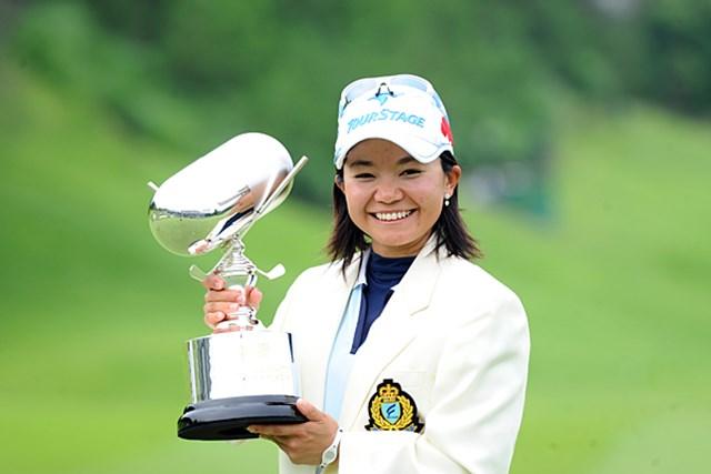 2012年 日医工女子オープンゴルフトーナメント 事前情報 上原彩子 ディフェンディングチャンピオンは上原彩子。大会連覇となれば後半戦への勢いがつくはずだ。