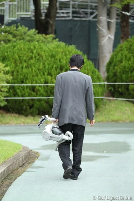 2012年 ミリオンヤードカップ 事前 クラブハウスの方 もぅ?屋外の掃除するならダイソンにしてくれなきゃ俺やだよ