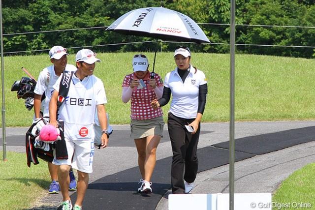 2012年 日医工女子オープンゴルフトーナメント 事前情報 三塚優子 右ひじ痛により長期離脱を強いられていた三塚優子。「楽しみにしていた」と久々の試合に挑むが・・・