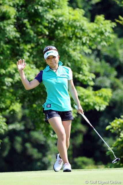 2012年 日医工女子オープンゴルフトーナメント 初日 林綾香 日本人トップタイですゥ~。シーズン前の宮崎女子オープンでも初日良かったので覚えてました~!足が細くてグ~ですゥ~!2位T