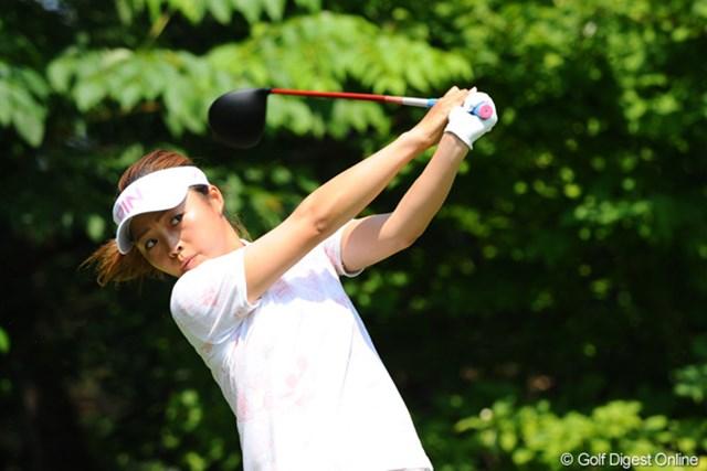 2012年 日医工女子オープンゴルフトーナメント 初日 一ノ瀬優希 後半に2つ伸ばしてトータル70。結構カワイイ子やと思うんですけど、どうも本人はそれを自覚してないフシがあるような気がするんですが、いかが?6位T
