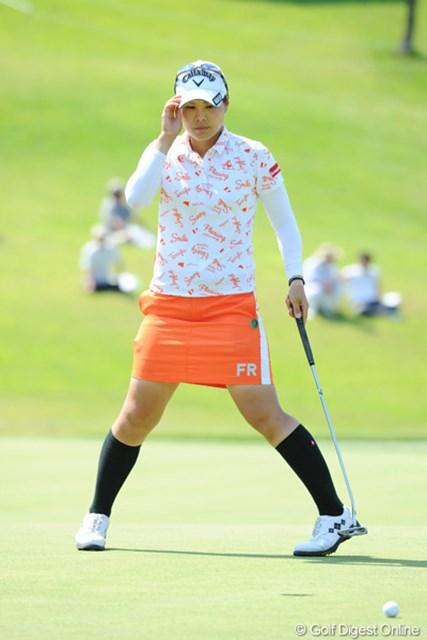 2012年 日医工女子オープンゴルフトーナメント 初日 大谷奈千代 3アンダーまで伸ばしてたのに、最終ホールで痛恨のボギー…。今季好調なんで、ソロソロなんとかしたいところではないでせうか?6位T