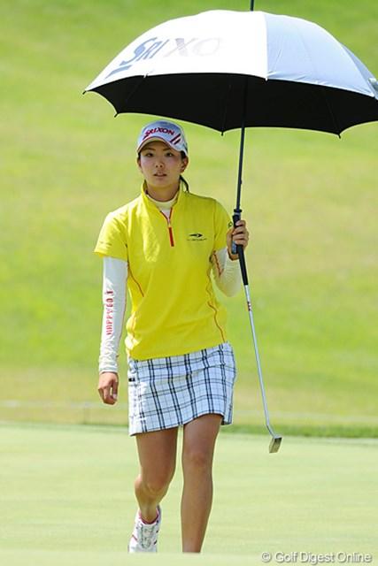 2012年 日医工女子オープンゴルフトーナメント 初日 高島早百合 パッと遠目に見たとき「斉藤愛璃ちゃんかな?」と思いました。去年プロ入りのルーキー&ホステスプロやそうです。立派に役目を果たしました!19位T