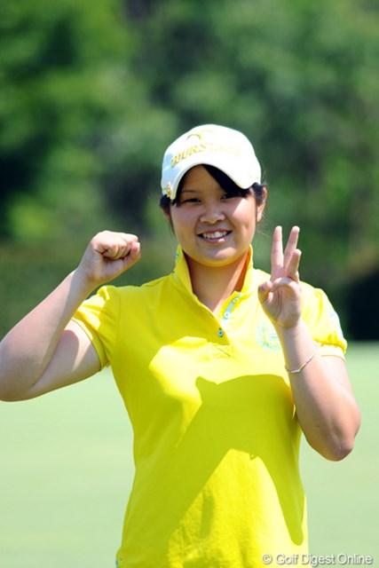 2012年 日医工女子オープンゴルフトーナメント 初日 河野美桜 高校2年のお嬢さんです。驚異の3アンダーをマークして堂々の3位タイ!日本のジュニアは強いでっせ~!