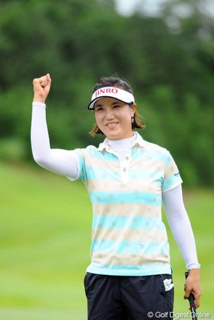2012年 日医工女子オープンゴルフトーナメント 最終日 全美貞 結果としてはエリナールの追い上げを食らって1打差の優勝やったけど、試合展開の上では、まったく危なげの無い横綱相撲でした。さすがっす!